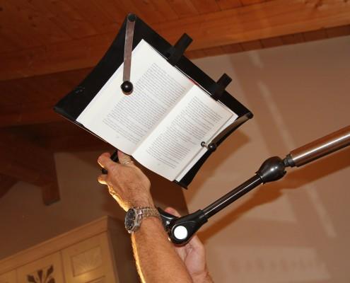 Buch und Tablet Halter