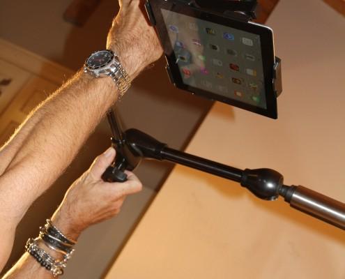 Einfache Tablet Benutzung im Bett - mit dem Book und Tablet Holder