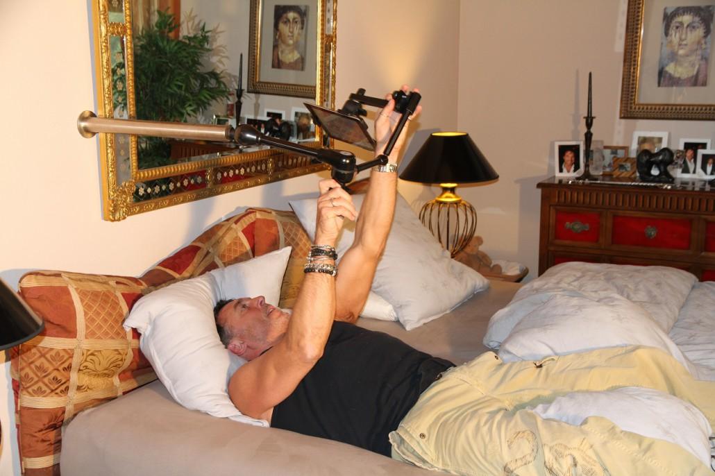 fotos zu buch und tablet halterung. Black Bedroom Furniture Sets. Home Design Ideas